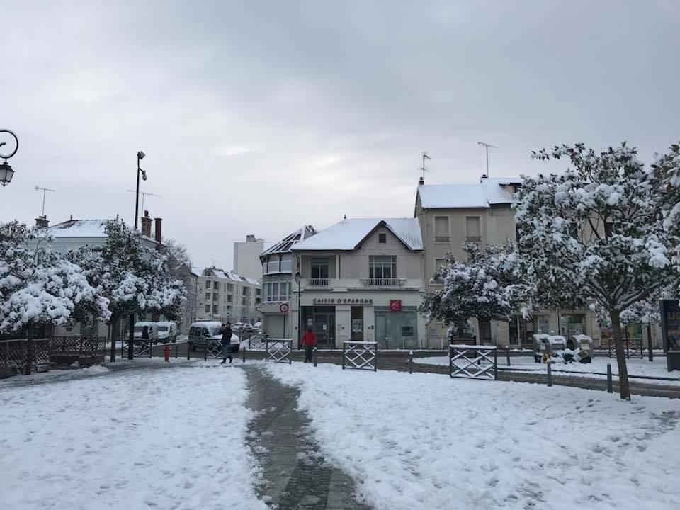 Centre Ville Les Mureaux sous neige