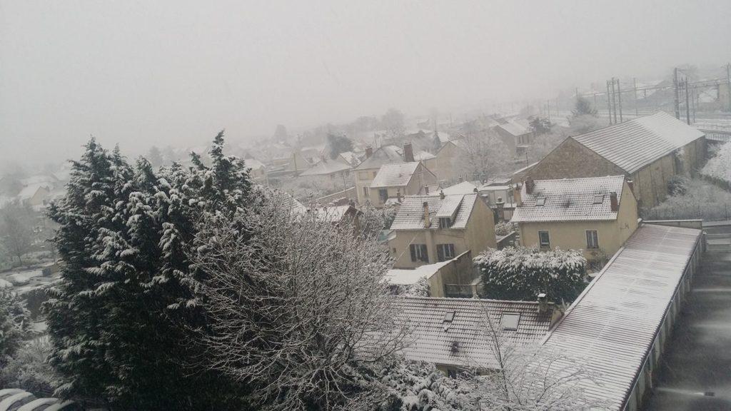 Centre ville des Mureaux sous la neige