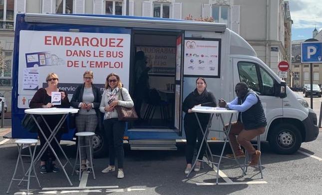 Bus Emploi service a la personne Les Mureaux