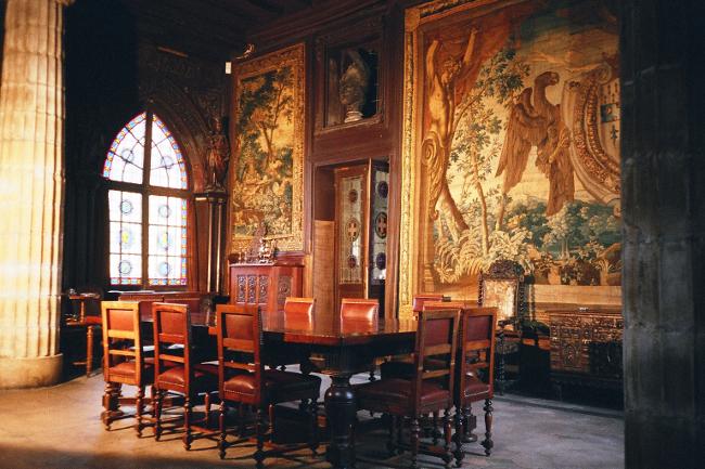 Chateau Castello Marochetti interieur