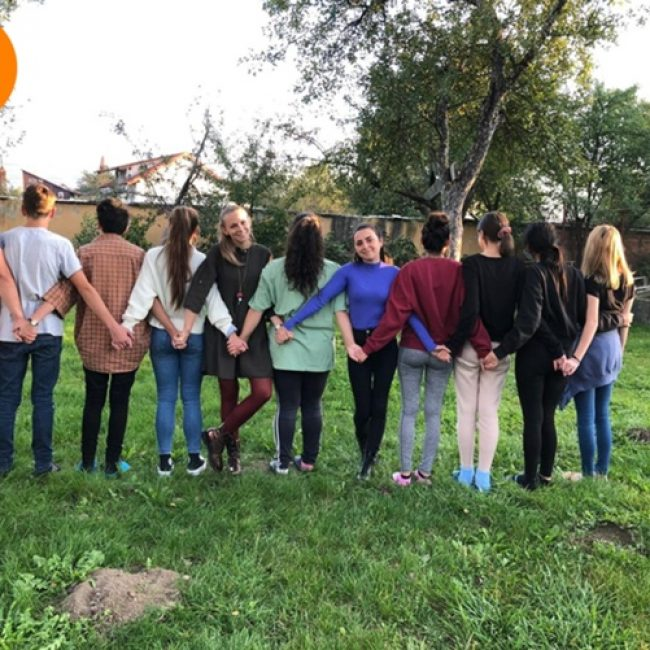 «Transmettre pour transformer – De marginalisés à acteurs de la société : parcours d'orphelins en Roumanie»